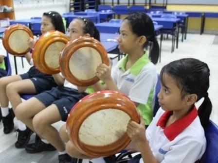 Pupils played Malay Kompang to celebrate Hari Raya.jpg